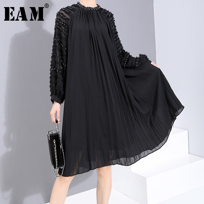 [EAM] Women Black Pleated Split Hollow Out Dress New Satnd Collar Long Sleeve Loose Fit Fashion Tide Spring Autumn 2020 19A-a884