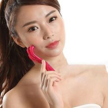 Handheld Mini Facial Massager with 3 Claw Steel Ball Roller Slimming Thin Face