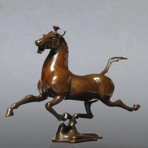 Mosiądz galopujący biegnący koń figurka dekoracyjna rzeźba Home Decor