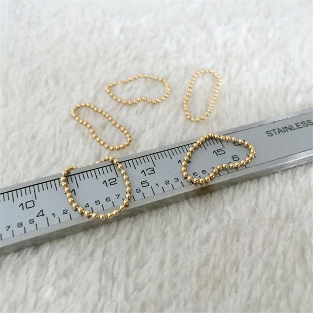 Фото женское кольцо с золотыми бусинами золотое ювелирное изделие