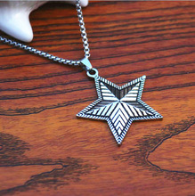 Retro Personality Five-pointed Star Pendant Fashion Men and Women Models Titanium Steel Stainless Long Necklace Jewelry