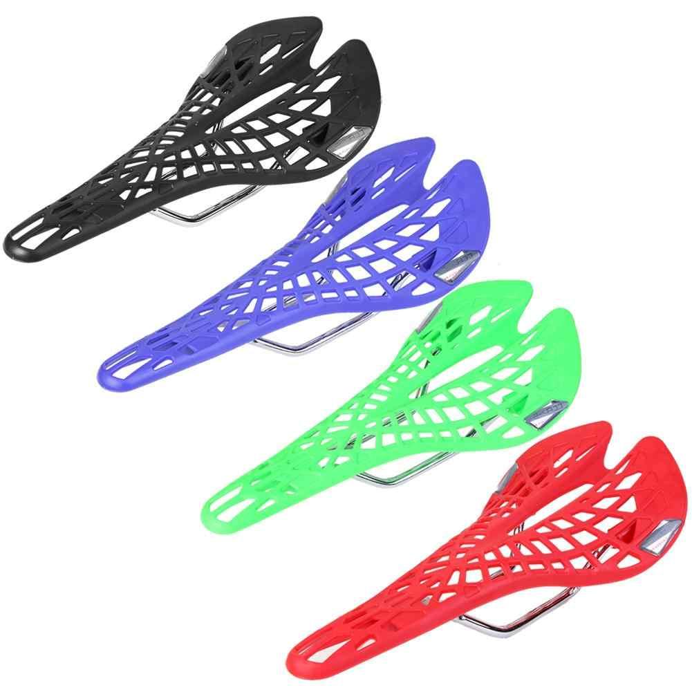야외 MTB 사이클링을위한 편안한 플라스틱 자전거 중공 새들 시트 쿠션 빠른 공기 흐름은 쿠션과 라이딩 바지를 만듭니다