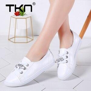 Image 1 - Tkn 秋白靴女性フラット革の靴女性のレースアップレディースコンフォートホワイトボード靴カジュアル女性スニーカー女性