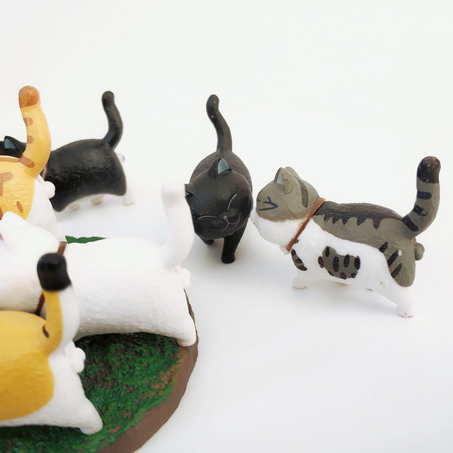 1Pcs Cute Mini PVC Animal Miniatures Japanese Bell Cat Doll Figures Toy Creative Handicraft Ornaments Home Decoration Crafts 3