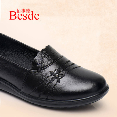 2019 autumn new female flats genuine leather women shoes slip on shoes for women black flats soulier femme Islamabad