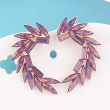 Разноцветные серьги гвоздики lubov 16 акриловый кристаллический