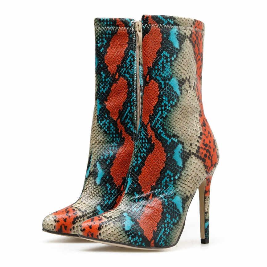 Zapatos de bota de talla grande Para mujer piel de serpiente punta puntiaguda de la pantorrilla con cierre lateral Botas cortas Sexy Botas femeninas Para Inverno de 2019 Y8