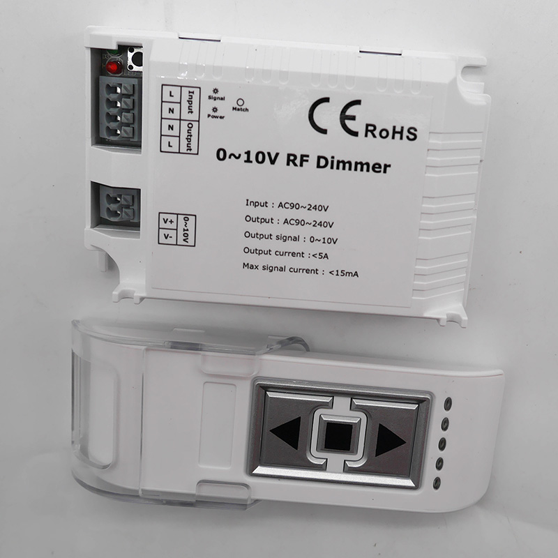 AC110V 220V High Voltage LED RF Dimmer DM015 1 Channel 0-10V 1CH Trailing Edge Dimming 3 Key With Remote LED RF Dimmer Control