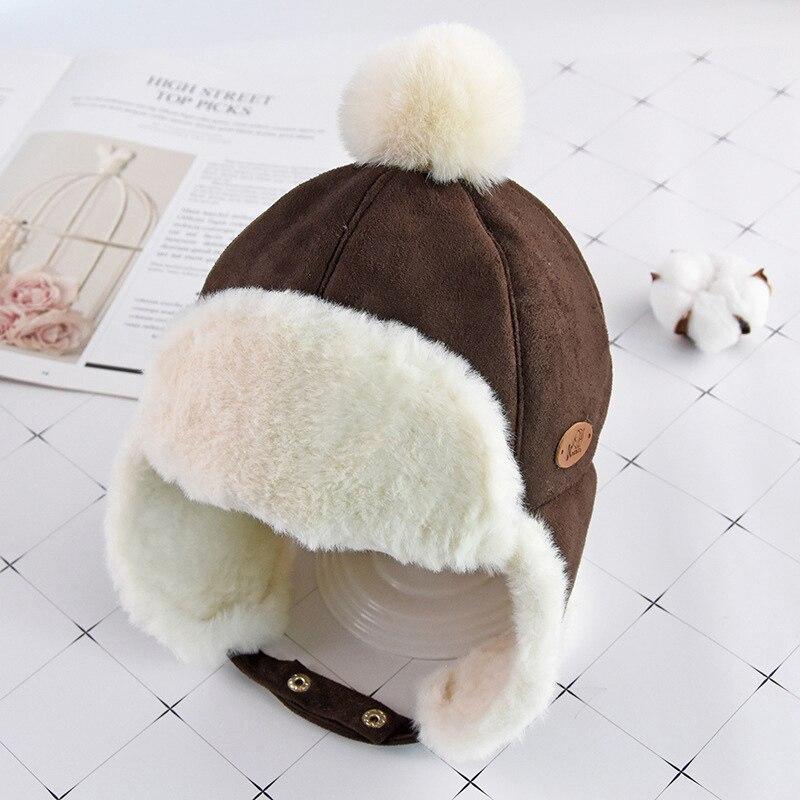 Маска для лица для мальчиков и девочек; шапка-ушанка с помпоном; милая детская зимняя бархатная утолщенная теплая ветрозащитная плюшевая шапка - Цвет: Коричневый