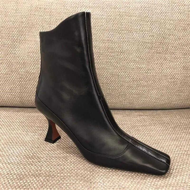 2018 Diseñador de lujo Botas para mujer Diseñador de moda de lujo Zapatos para mujer Superestrellas Botas de marca Show Style Botas para la rodilla