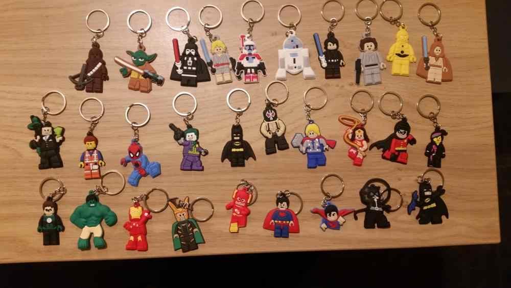 100pcs Super-heróis de Star Wars PVC Chaveiros Anel Chave Chaveiro Chaveiro Legal Bugigangas para Meninos Batman Caçoa o Presente Do Partido favor