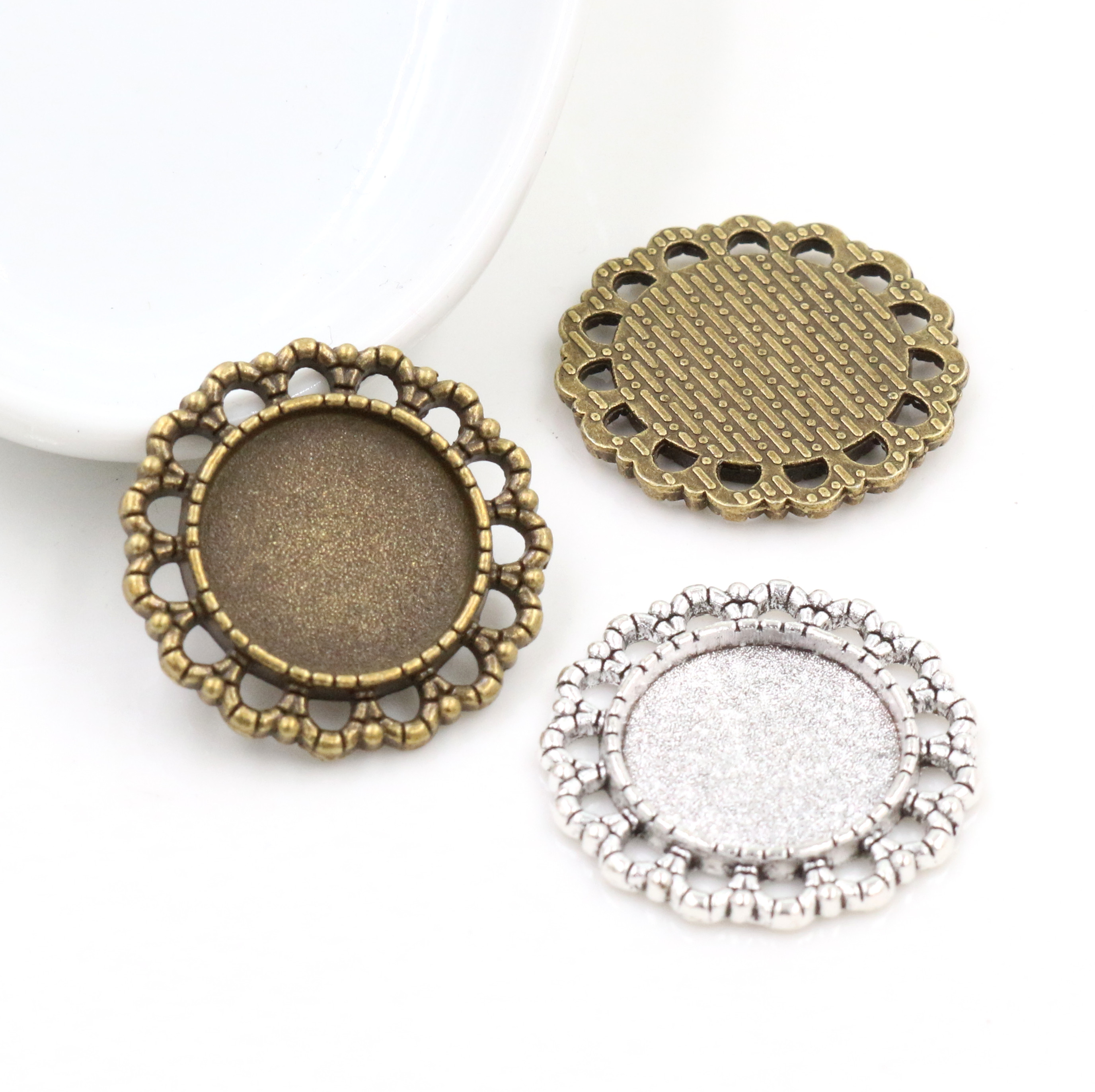 15pcs 16mm Inner Size Antique Bronze And Silver Plated Fashion Style Cabochon Base Cameo Setting Charms Pendant