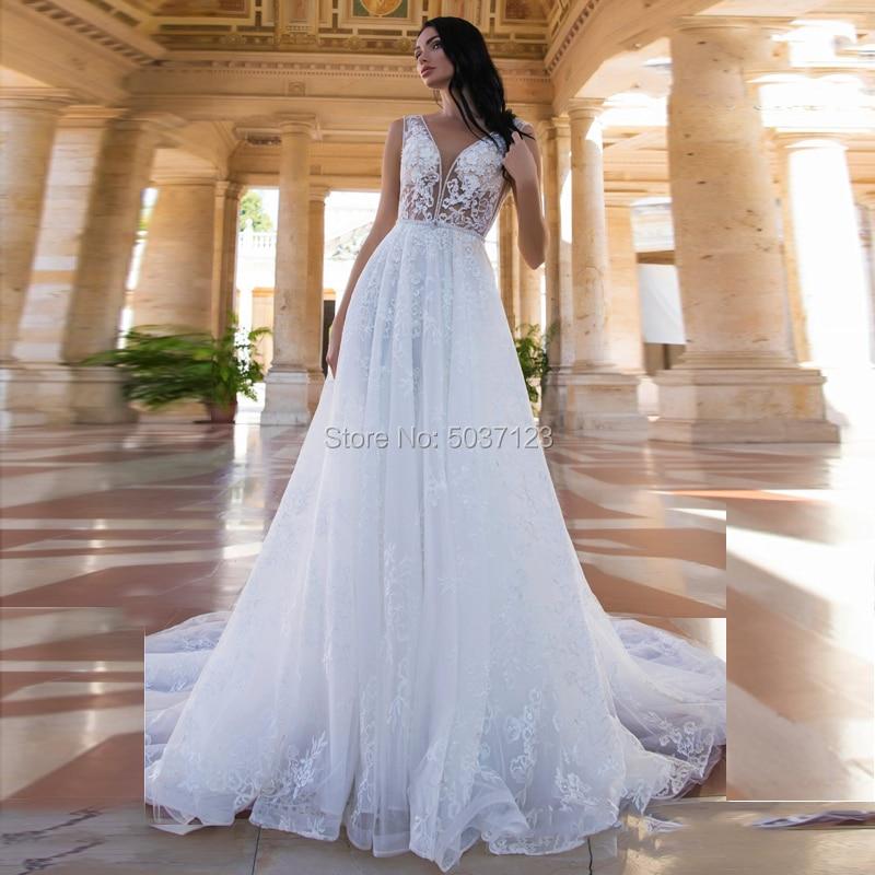 Vestido De Noiva  A Line Wedding Dresses V Neck Beading Sleeveless Lace Appliques Bridal Gowns Court Train Button Illusion