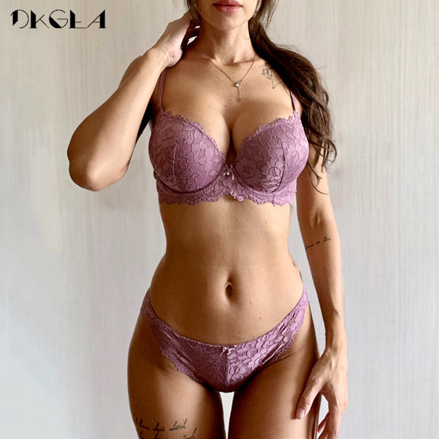 Hot Sexy Push Up Bra Set Brand Deep V Brassiere Thick Cotton Women Underwear Set Lace Blue Embroidery Flowers Lingerie B C Cup 1