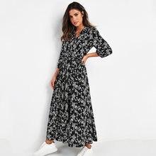 Платье женское длинное с отложным воротником и цветочным принтом
