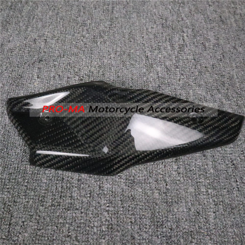 Motorcycle Under Tank Cover (left Side) Style 2 In Carbon Fiber For BMW R Nine T R9T Twill Glossy Weave