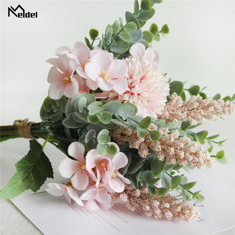 Mixed Silk Lucky Ball Chinese Carbapple Bride Holding Flowers Artificial Pompon Green Eucylaptus Wedding Bridal Bouquet Flowers