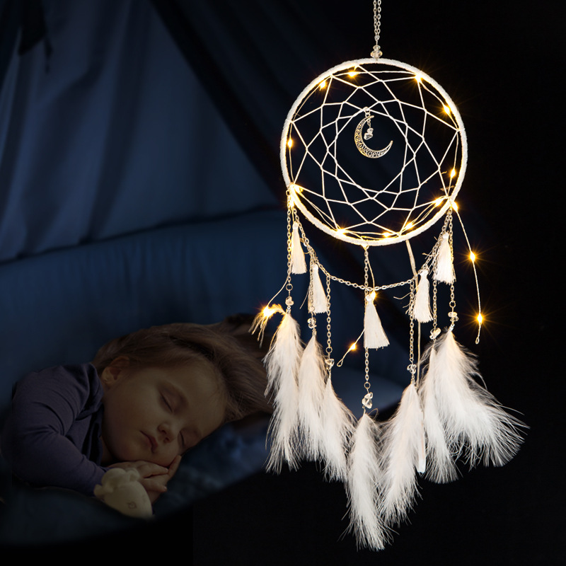 LED Lamp Flying Wind Chimes Lighting Dream Catcher Handmade Gifts Dreamcatcher Feather Pendant Romantic Creative Wall Hanging