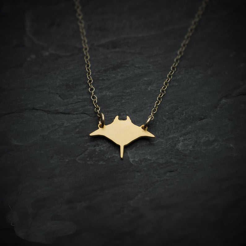 Manta Ray ryby naszyjnik Mini urok wisiorek naszyjniki biżuteria dla mężczyzn i kobiet cena hurtowa YP7594