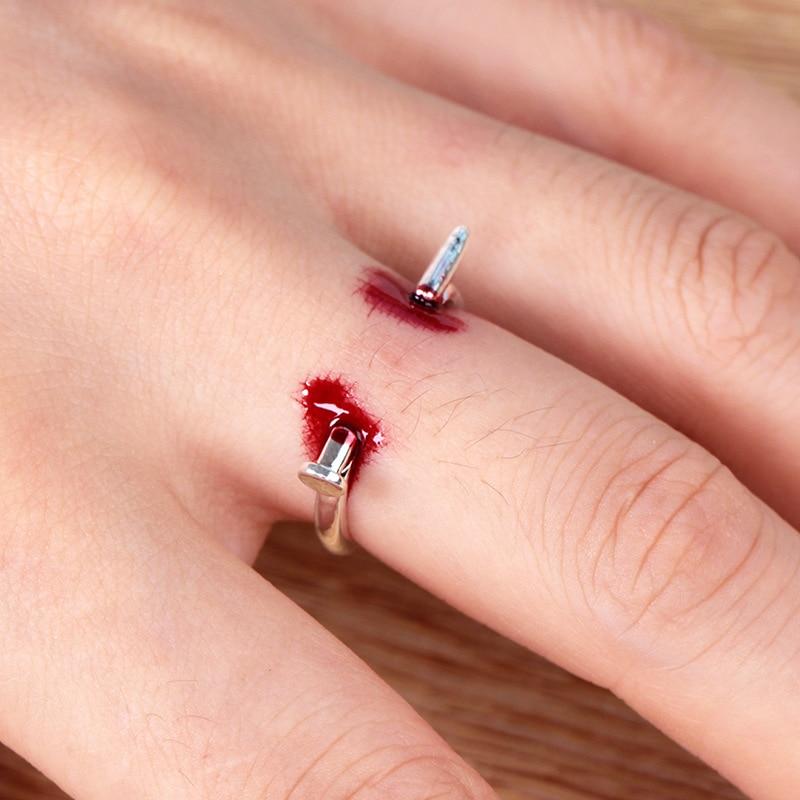 Blood Ring Creative Prank Joke Toy Fake Nail Through Finger Trick Halloween Kids Children Gags Piercing Bleed Scary Toy
