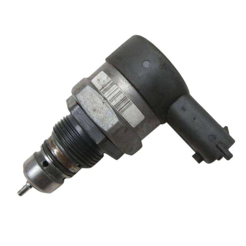 0281002507 23280-33010 Fuel Pressure Regulator Fuel Pressure Relief Valve Fuel Rail Pressure Sensor for Toyota Ford Hyundai