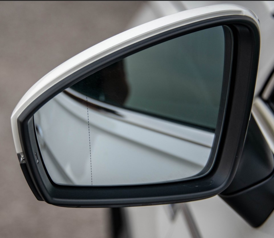 Car Rearview Mirror Protective Film Anti Fog Membrane Waterproof Rainproof Sticker Film For Volkswagen MK2 Tiguan 2017 2018 image