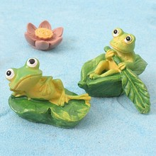 Boating Frog Animal Model Figurine Toy Ornament Craft Bonsai Decor Miniature Home Fairy Garden Decoration DIY Accessories ark light diy decoration miniature glass pot led table lamp fairy terrarium potting garden decor miniature microlandschaft