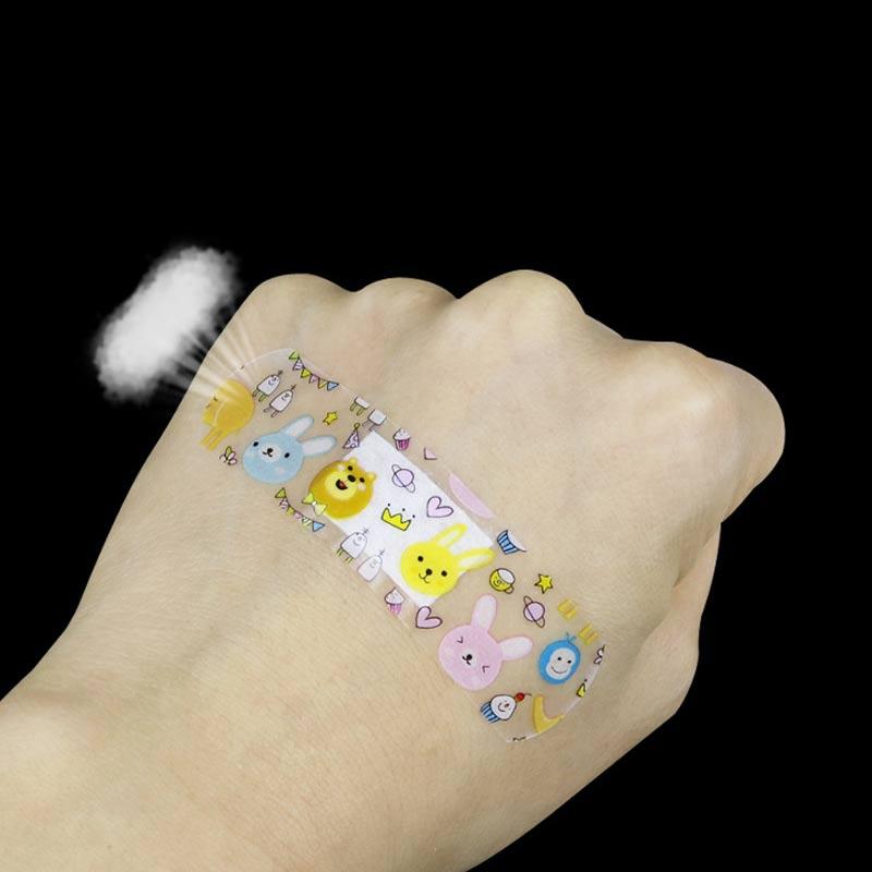 Купить с кэшбэком 120 pcs cartoon bandages band-aid girls and girls cute children mini breathable waterproof hemostatic band-aid medical stretch