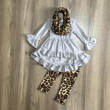 Novedad bebé niñas otoño/invierno 3 piezas bufanda gris leopardo top leche seda pantalones conjuntos algodón boutique niños ropa