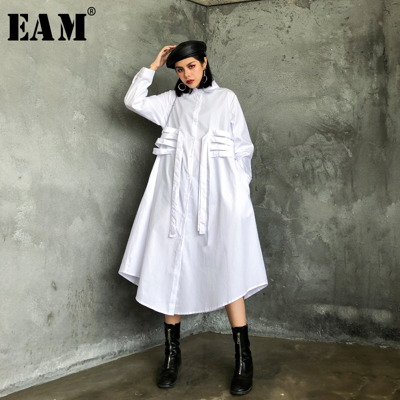 [EAM] Women White Asymmetrical Pleated Midi Shirt Dress New Lapel Long Sleeve Loose Fit Fashion Tide Spring Autumn 2020 1R791