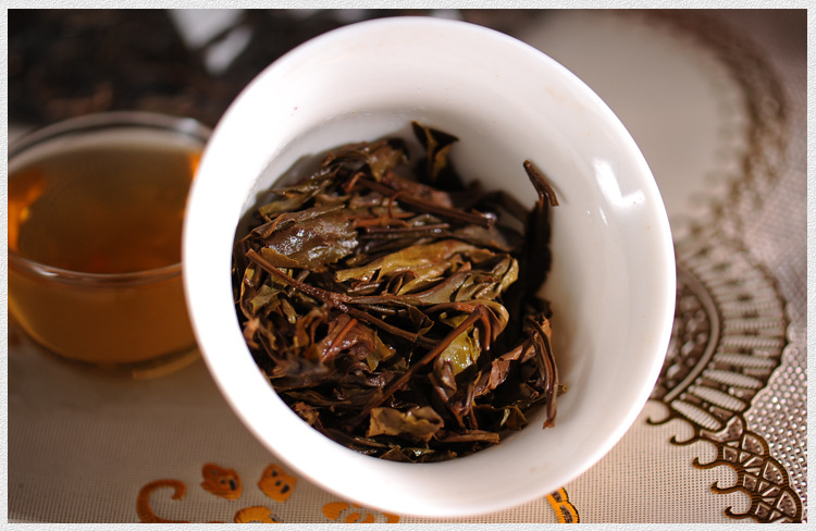 357g China Yunnan Raw Tea Old Tree Tea 357g Traditional Manual Pu'er Pure Material Green Food for Health Care 4