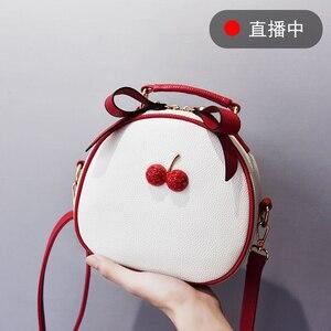 Image 2 - Женская сумка, сумка мессенджер, сумки на плечо для женщин, новинка 2020, модная маленькая белая и черная сумка в Корейском стиле, сумки на плечо