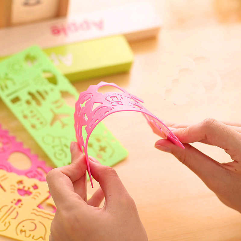 4 قطعة/المجموعة الأطفال متعة البلاستيك الرسم قالب لعبة استنسل حاكم DIY الإبداعية رسم التعليم اللعب