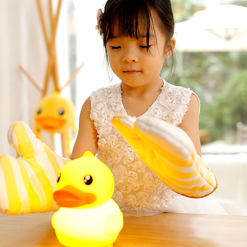 1 x Duck Shape Silicone Patted Night Light  Baby Sleep Bedroom Table Lamp Rechargeable Cute Home Decor Creactive