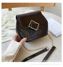 aetoo the first layer of leather 2017 new korean version of the small handbag female hard section leather black wild fashion kel Patent leather bag female 2020 new Korean version of the wild diamond crossbody bag chain bag fashion small square bag
