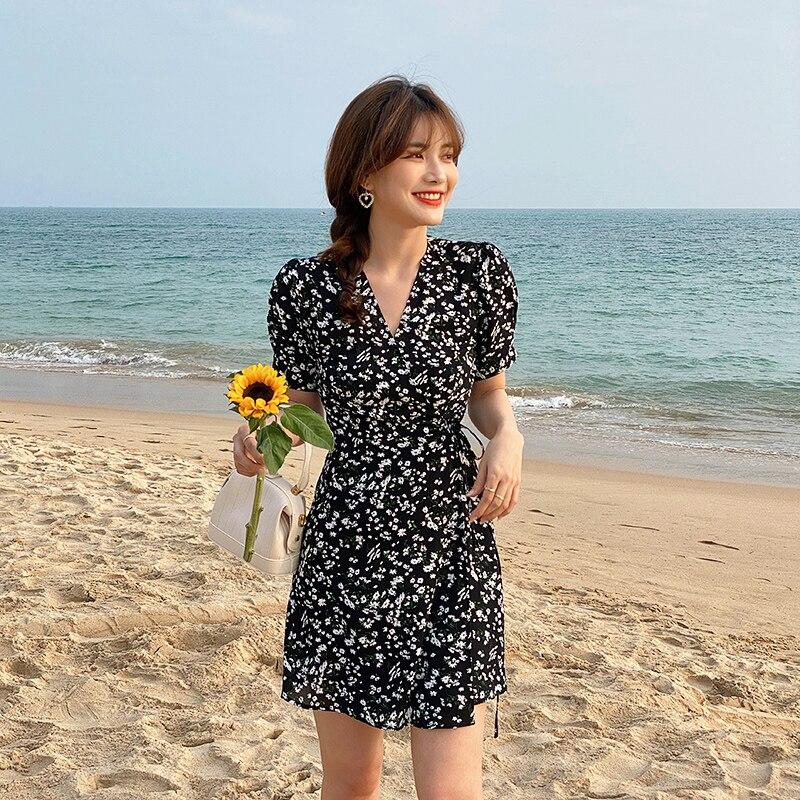 Женское пляжное приталенное платье с цветочным принтом, изящное пляжное платье для отдыха на море, лето 2021