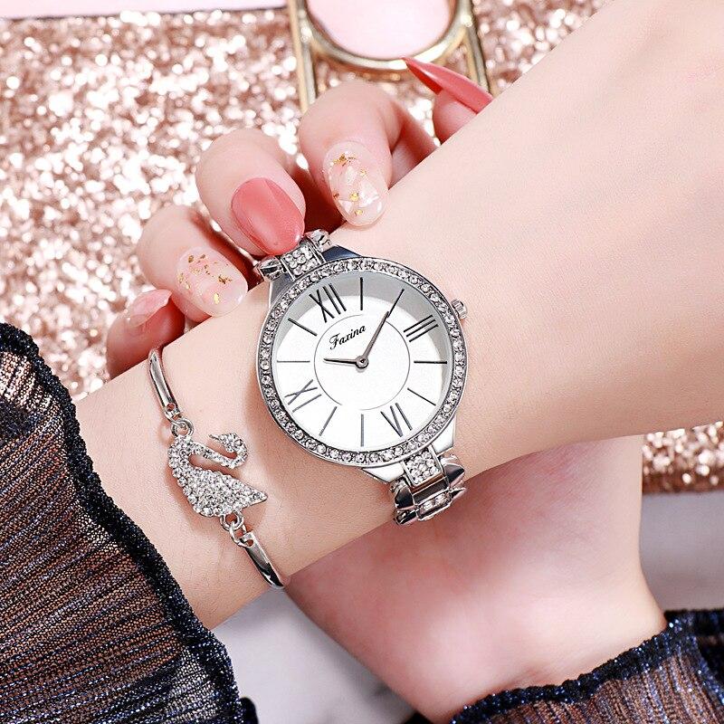 Ensemble de montre à quartz Bracelet Collier bague boucles d'oreilles