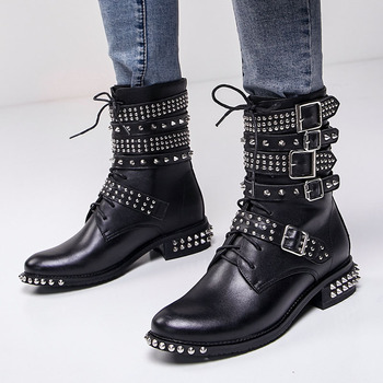 prova perfetto punk style women ankle boots special two kinds of wear rivet studded martin boots lace up genuine leather botas Fashion Leather Rivet Ankle Boots Belt Buckle Thick Heel Motorcycle Boots Metal Decoration Lace-Up Women Boots Tenis Feminino