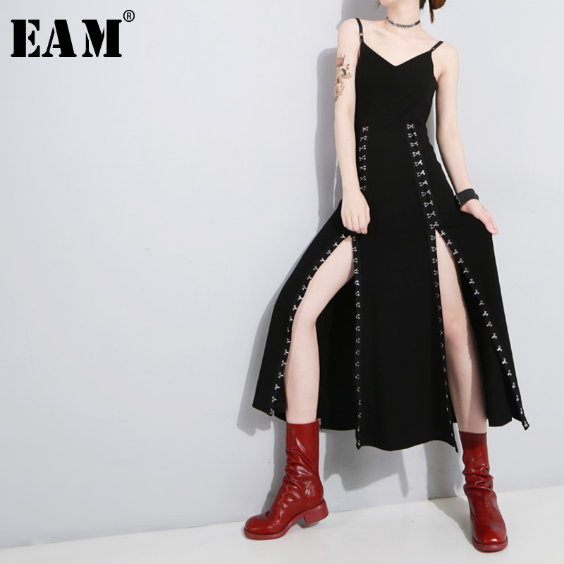 [EAM] Women Black Vent Asymmetrical Long Spaghetti Strap Dress New Sleeveless Loose Fit Fashion Tide Spring Autumn 2020 1H114