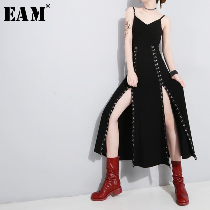 [EAM] Women Black Vent Asymmetrical Long Spaghetti Strap Dress New Sleeveless Loose Fit Fashion Tide Spring Autumn 2020 1H114