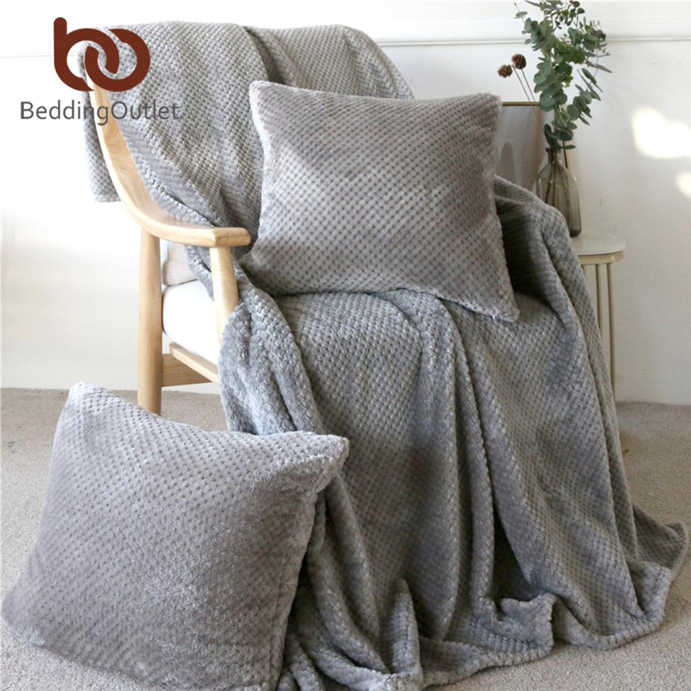 BeddingOutlet Flannel Fleece Blanket With Cushion Covers Soft Throws For Bed 3pcs Plush Bedspread Sofa Cover Warm Gift Dropship