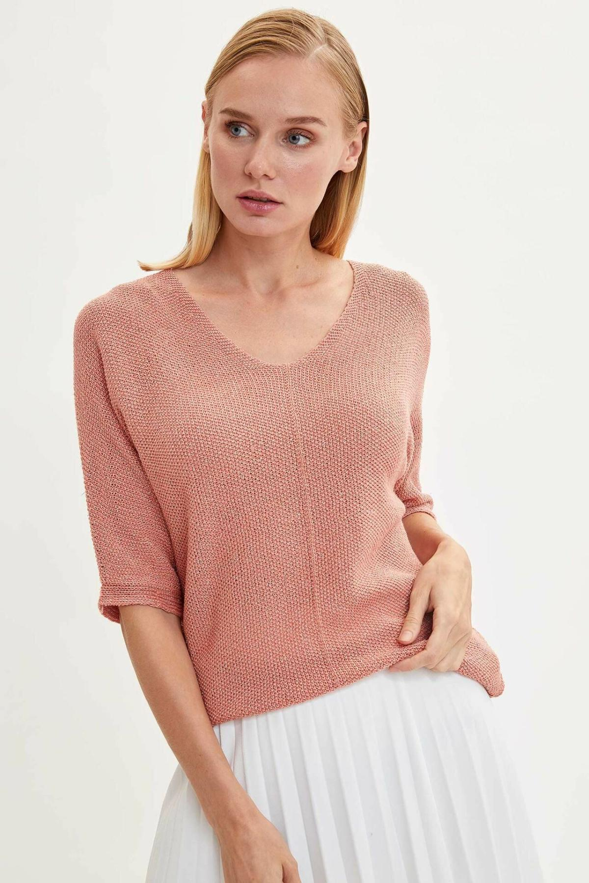 DeFacto Women Casual V-neck Pullovers Loose Fashion Pure Half Sleeves Pullovers Tops Simple Women New-K6610AZ19AU