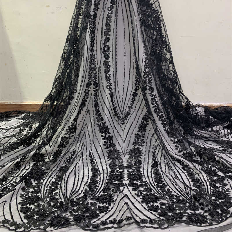 3D Flowers Latest White African Lace Fabrics 2019 High Quality Lace With Sequins Beaded Nigerian Lace Fabric For Wedding