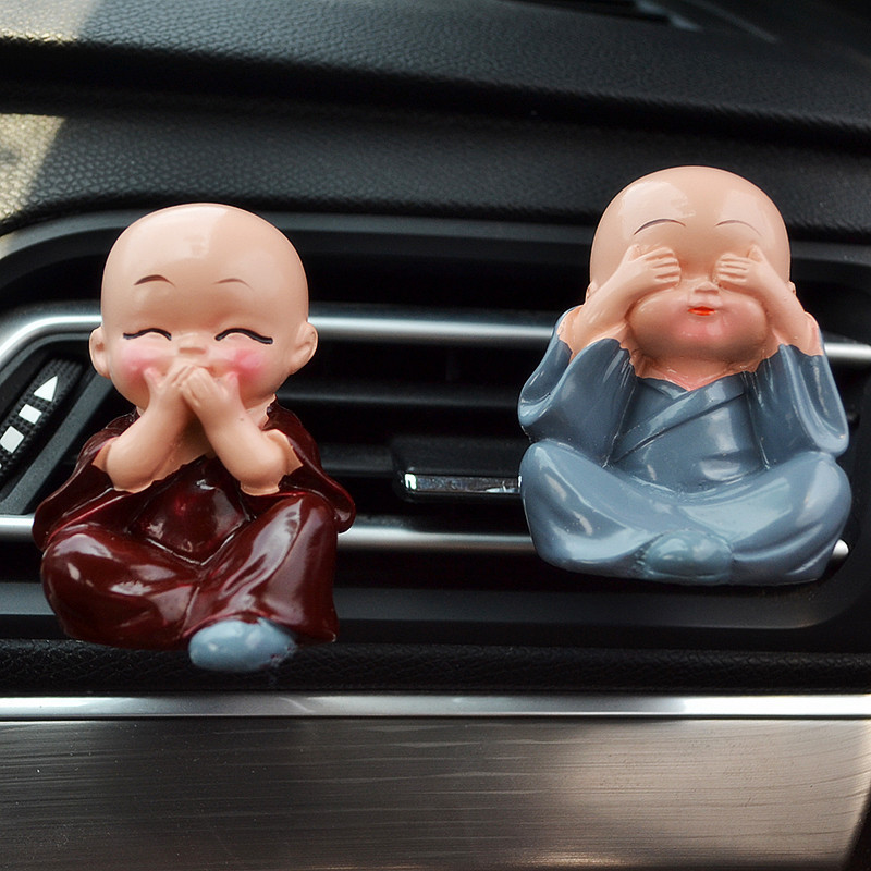 Car Ornaments Resin Monks Maitreya Buddha Kung Fu Doll Air Freshener Automotive Fragrance Vents Clip Auto Interior