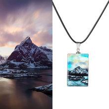 Collar hecho a mano con cadena de cuerda de cuero nieve montaña Aurora lago paisaje colgante collar largo para regalo de las mujeres