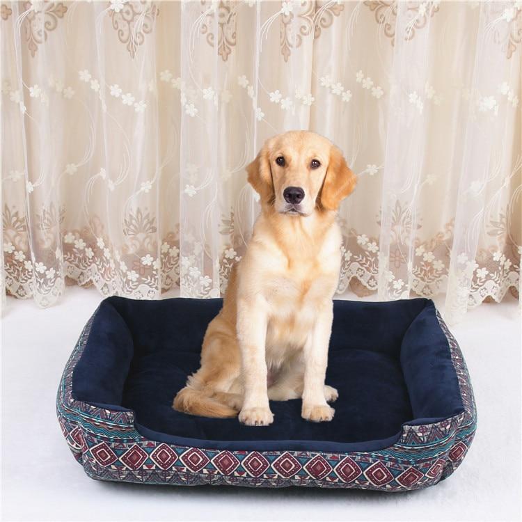 Canil macio e confortável do cão da