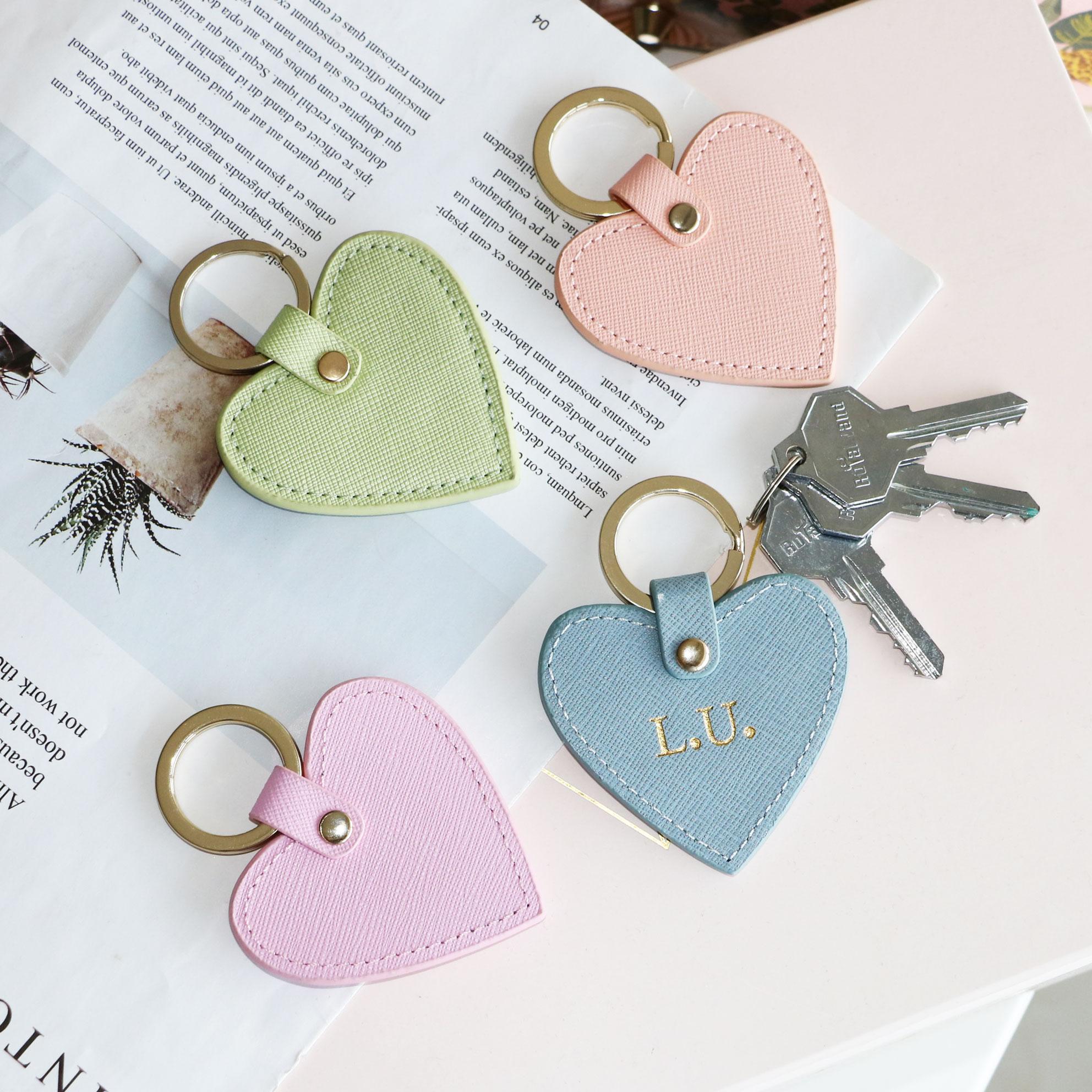 New fashion free custom initial letters genuine saffiano leather heart shape keychain women key holder female heart key ring