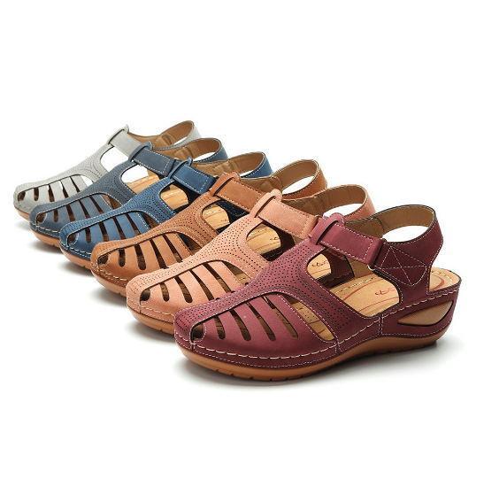 2020 Summer Retro Style Women's Beach Sandals Round Head Slope Heel Comfortable Lightweight Sandals Women's Casual Shoes