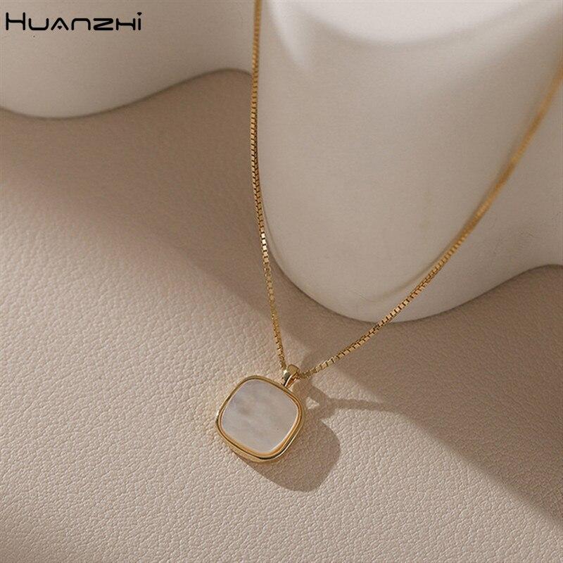 Новинка 2020, простое ожерелье HUANZHI из натуральной фритиллярной квадратной белой ракушки с кулоном, металлическая Геометрическая цепочка до ...