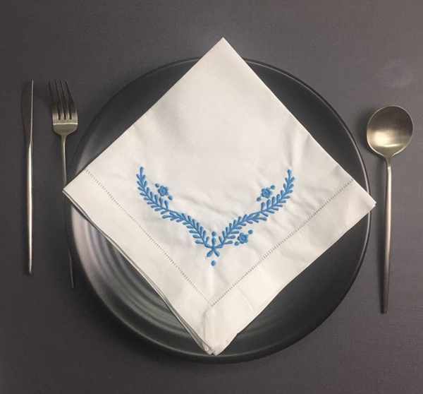 Set Of 12 Fashion Ninner Napkins White Hemstitched Linen Table Napkin With Blue Color Embroidered Floral 18x18-inch